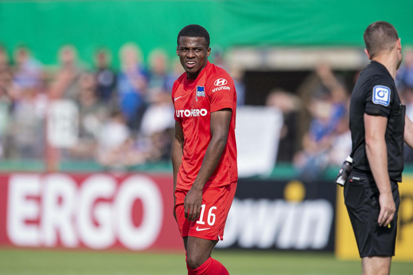 Dilrosun Im Trikot von Hertha BSC