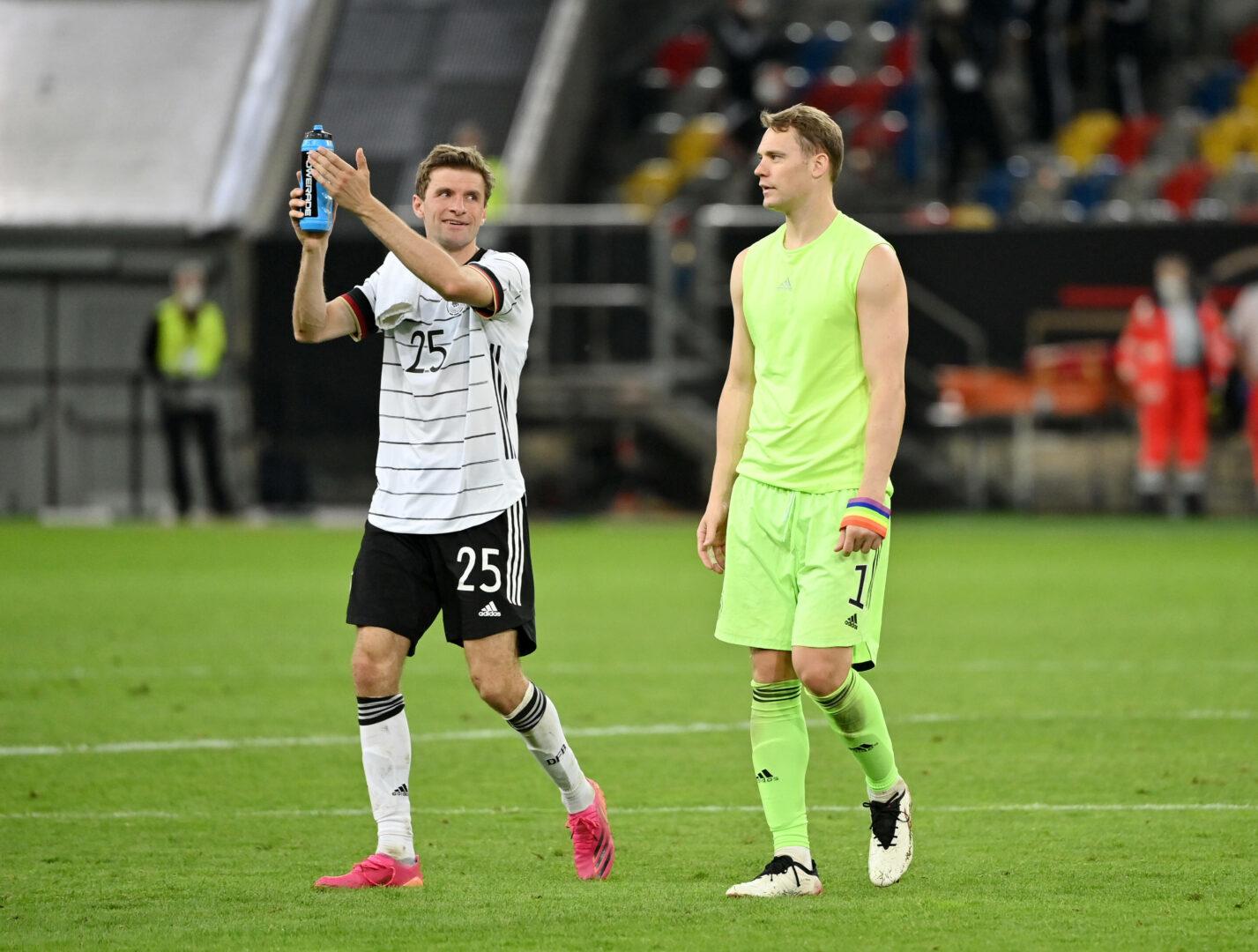 Thomas Müller und Manuel Neuer im DFB-Dress.
