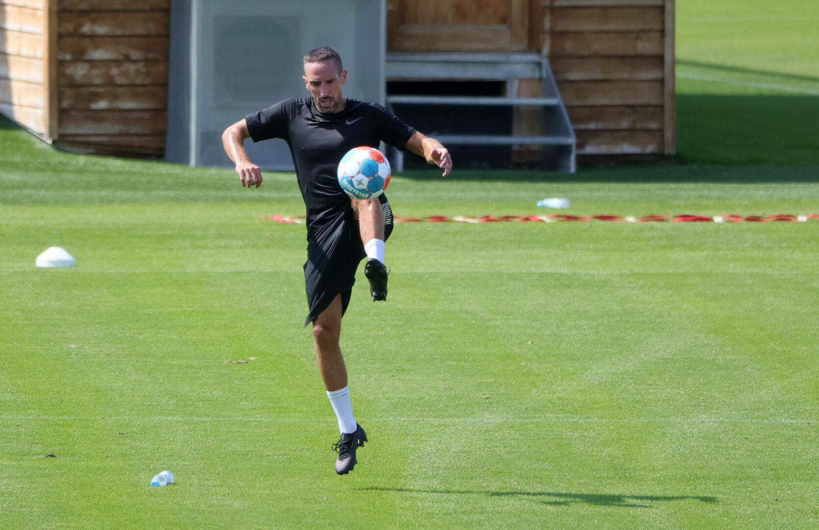 Franck Ribery hielt sich auf der Anlage des FC Bayern München fit.