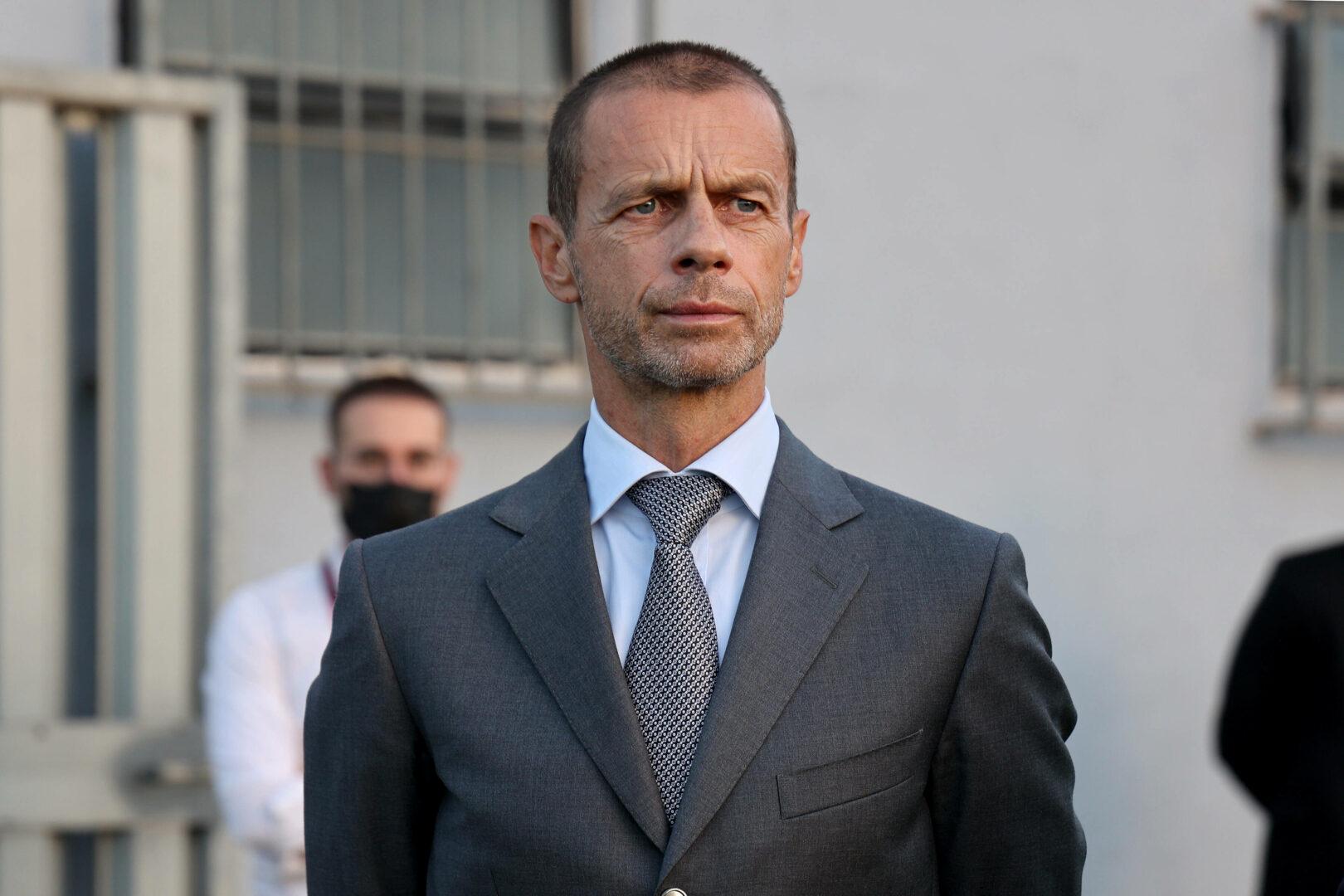 Ceferin (UEFA-Präsident) schaut kritisch