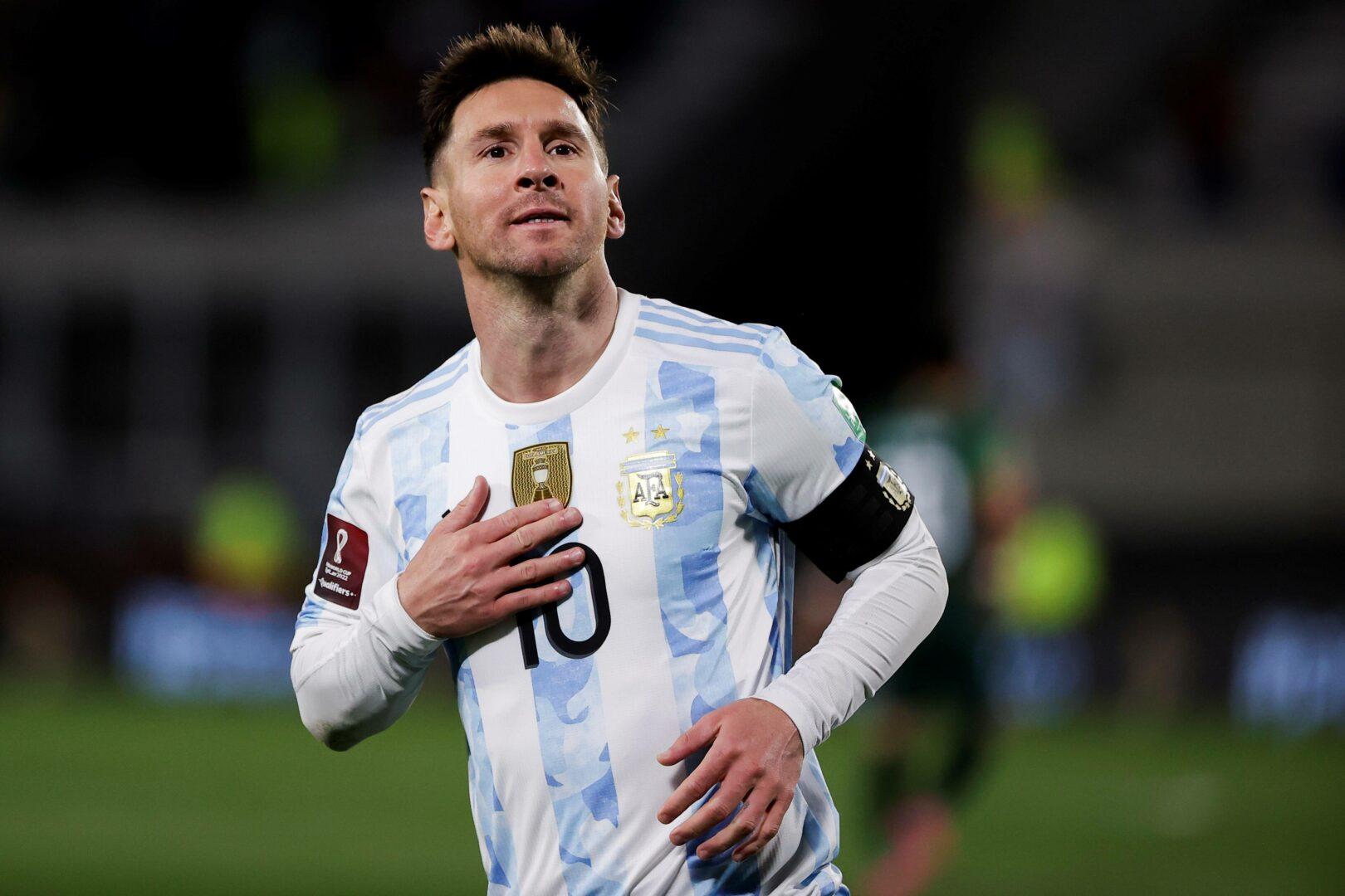 Lionel Messi bejubelt einen seiner Treffer für Argentinien gegen Bolivien.