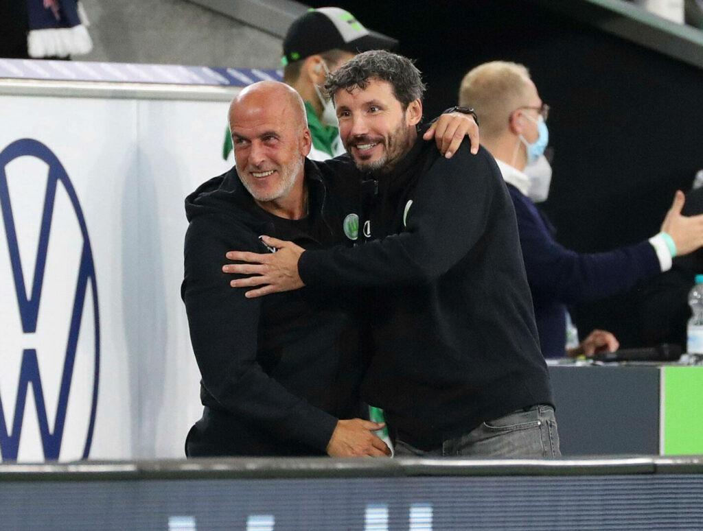 van Bommel und Michael Forntzeck (beide Wolfsburg) freuen sich über Sieg gegen Leipzig