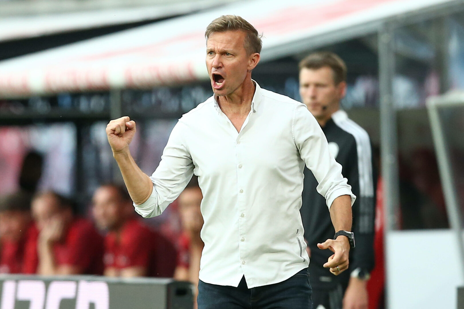 Jesse Marsch (RB Leipzig) feuert seine Mannschaft an