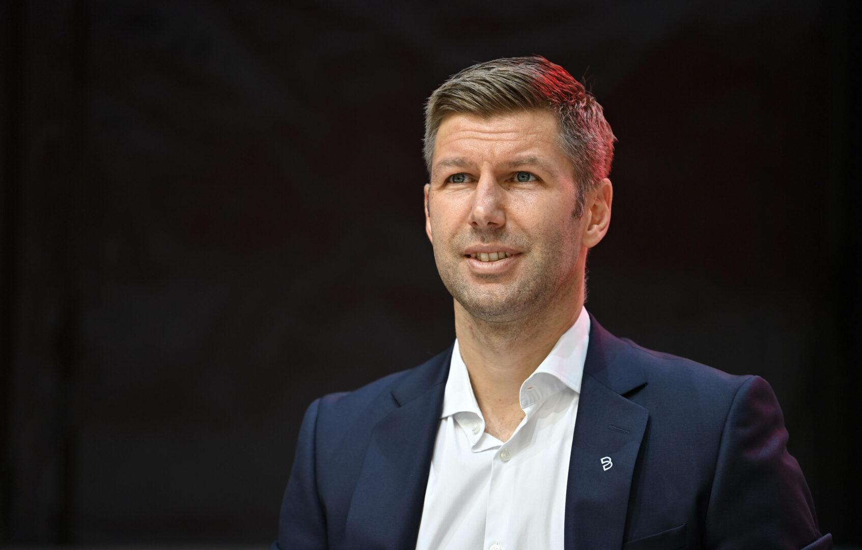Thomas Hitzlsperger auf der Mitgliederversammlung des VfB Stuttgart.