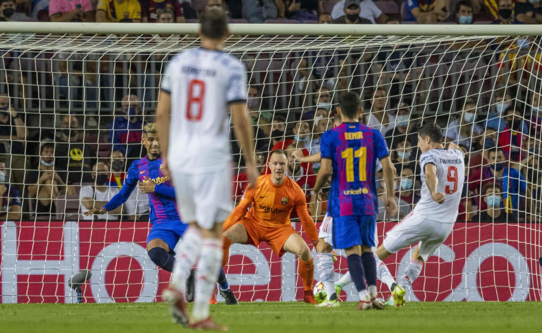 Der FC Bayern gewann 3:0 beim FC Barcelona