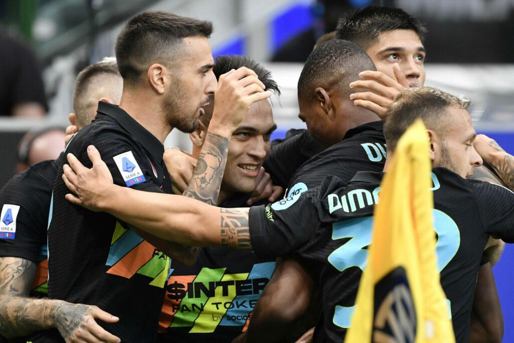 Inter bejubelt das 1:0 gegen Bologna