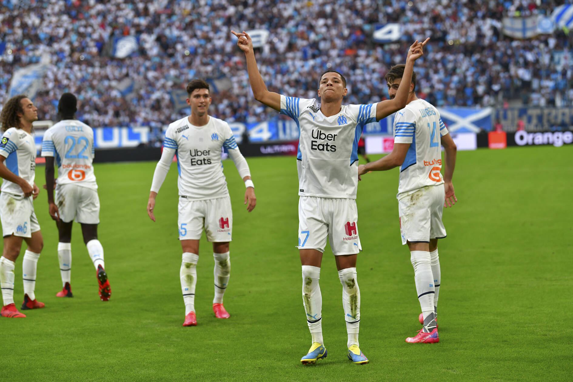 Harit (Marseille) jubelt über seinen Treffer
