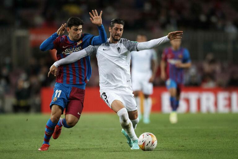 Bemühtes Barcelona gleicht kurz vor Schluss gegen Granada aus