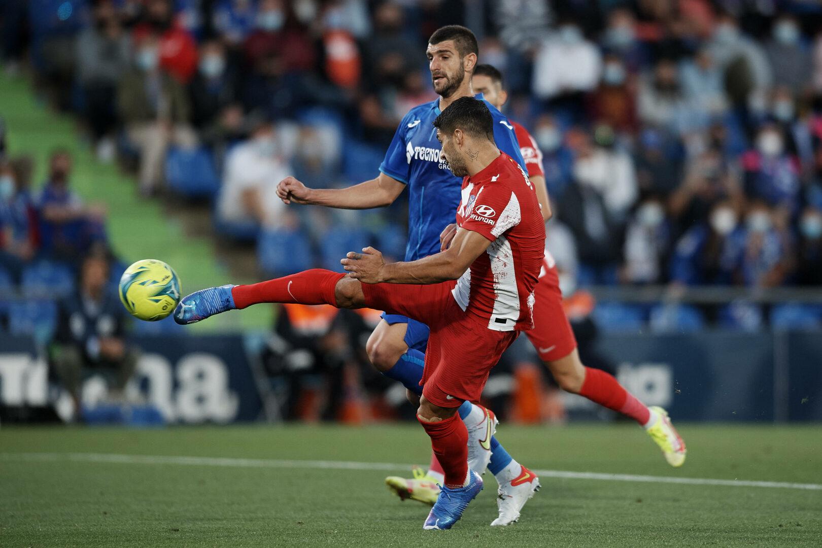 Luis Suarez von Atletico arbeitet an Tor gegen Getafe
