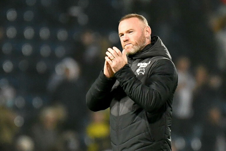 Nach Insolvenz und Punktabzug: Rooney will für Derby kämpfen