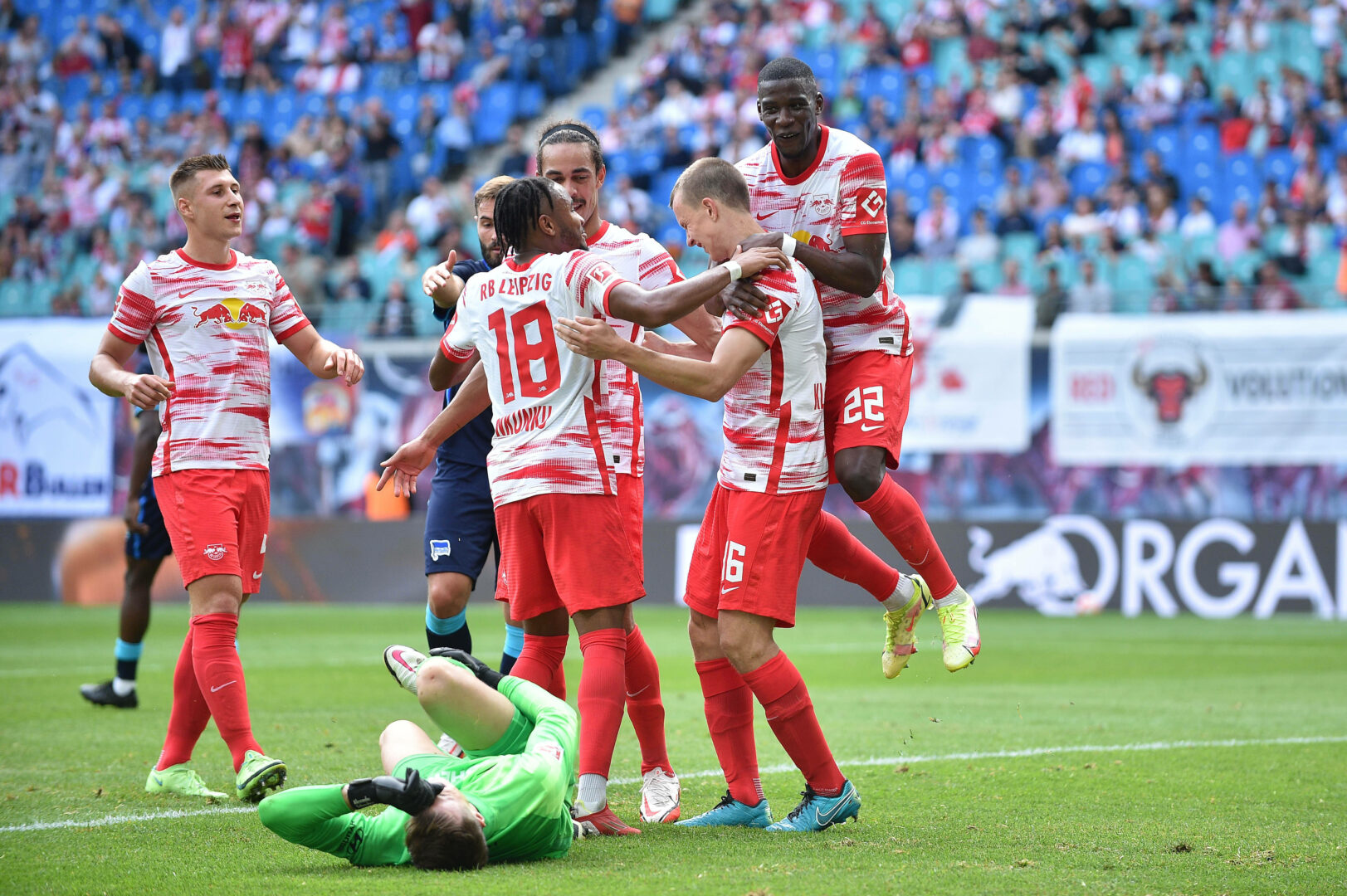 Bundesliga | RB-Gala gegen Hertha, Hoffenheim düpiert Wolfsburg, Frankfurt remis