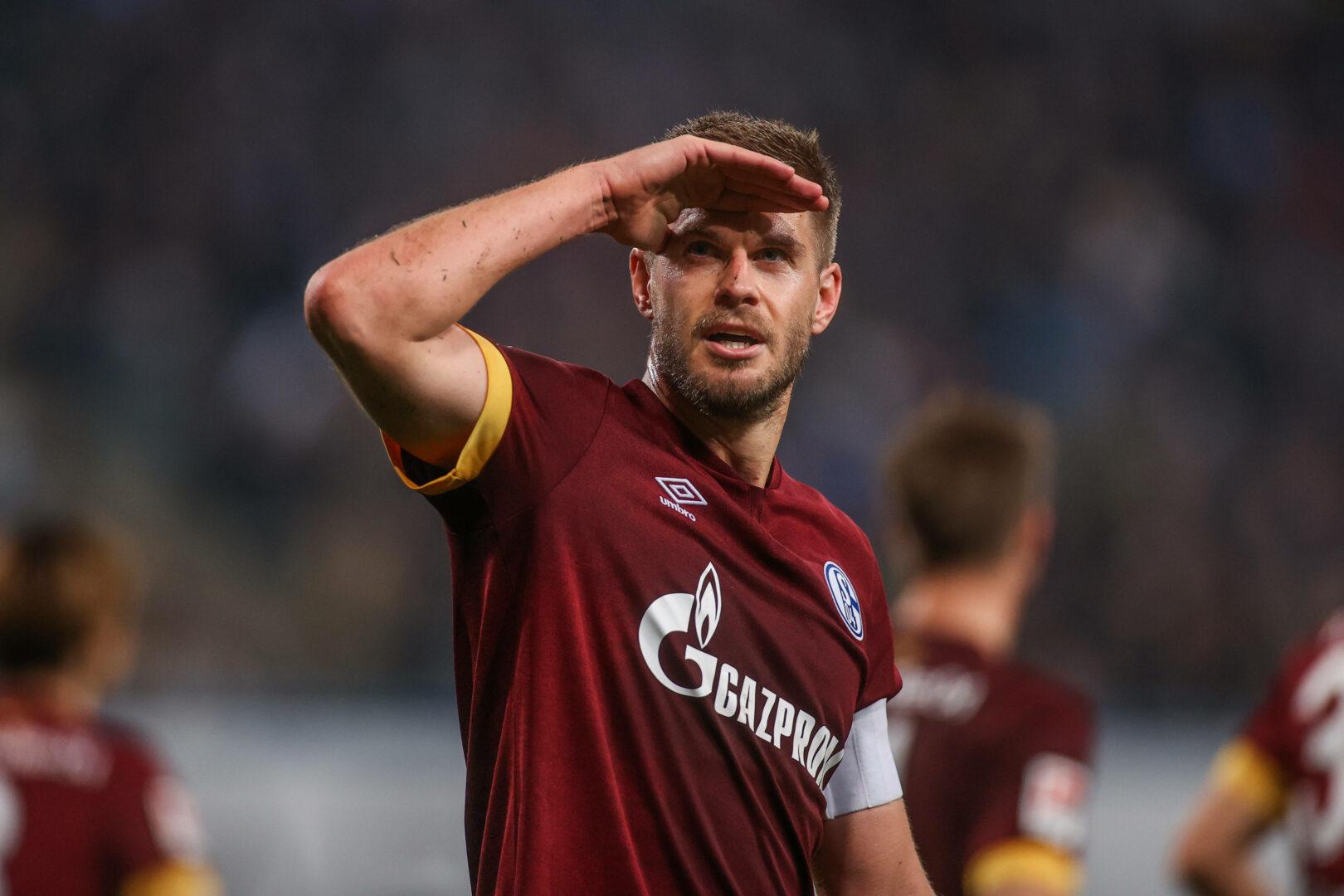 Simon Terodde stellte für Schalke 04 den Unterschied in Rostock her.