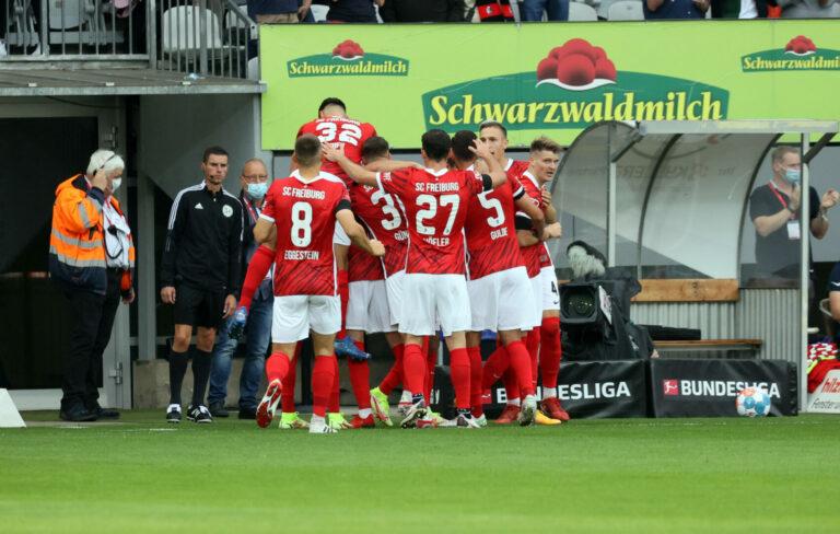 Freiburg schlägt Augsburg deutlich beim Abschied vom Dreisamstadion!