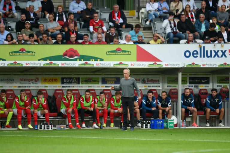 Streich mit Megaphon in der Fankurve: Emotionaler Abschied vom Dreisamstadion in Freiburg