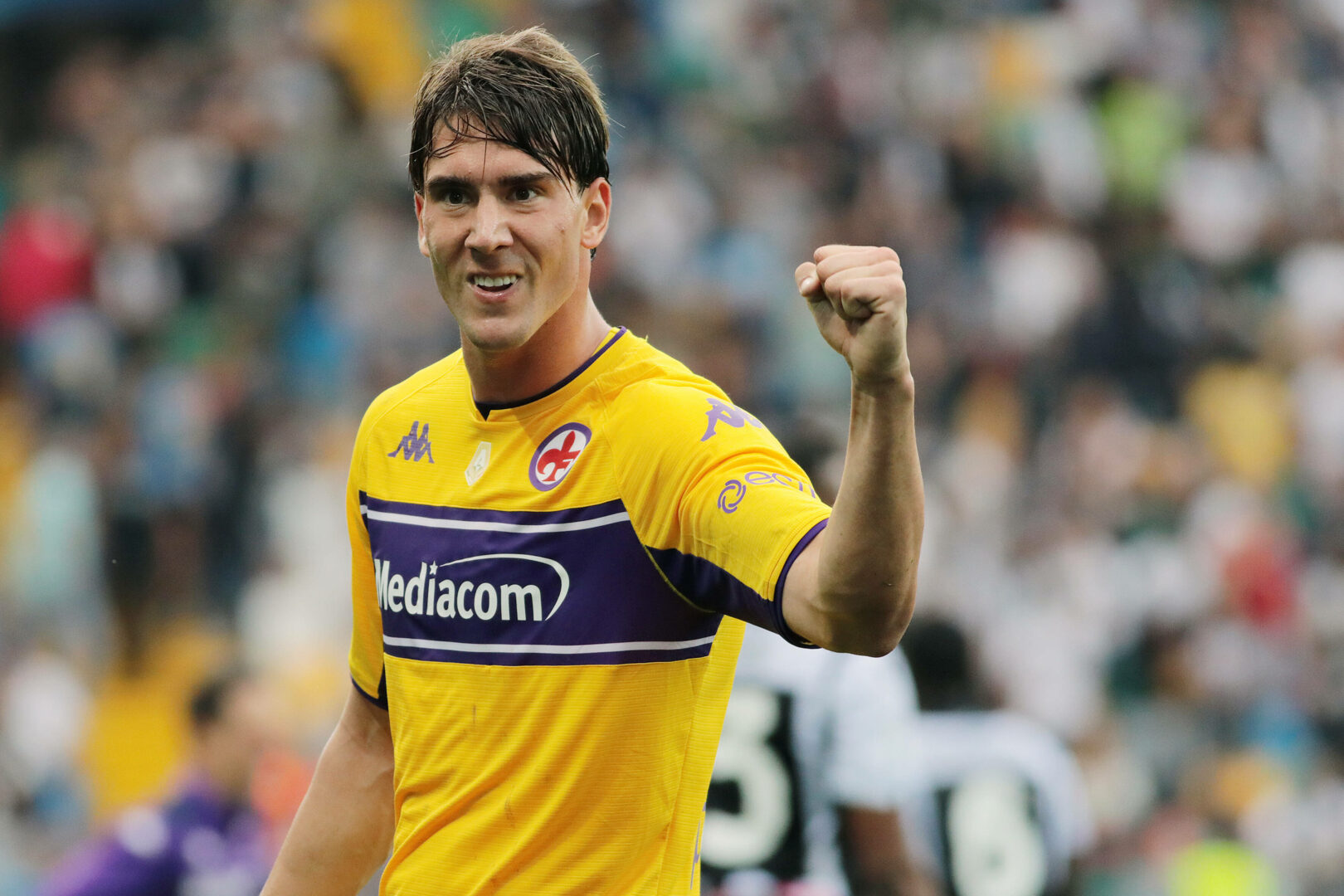 Dusan Vlahovic jubelt im Dress der Fiorentina.