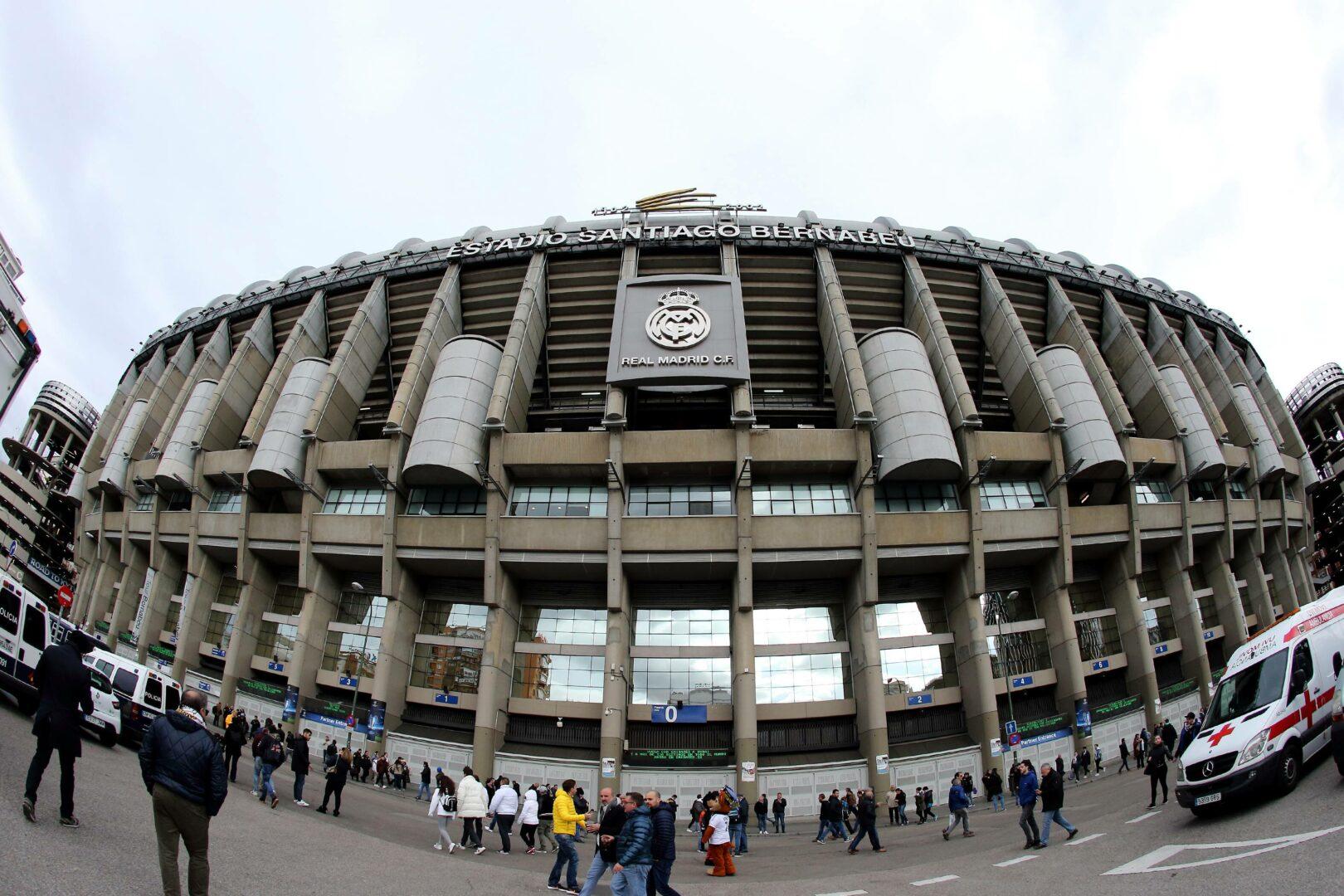 Das Stadion von Real Madrid, das Santiago Bernabeu, von Außen