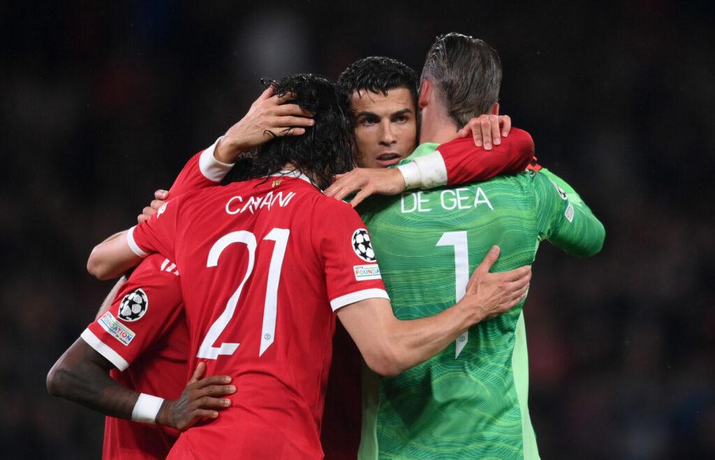 Cristiano Ronaldo bejubelt mit Edinson Cavani und David de Gea den Sieg von Manchester United in der Champions League