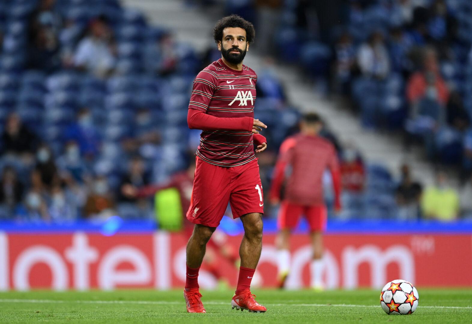 Liverpool-Star Mo Salah beim Aufwärmen.