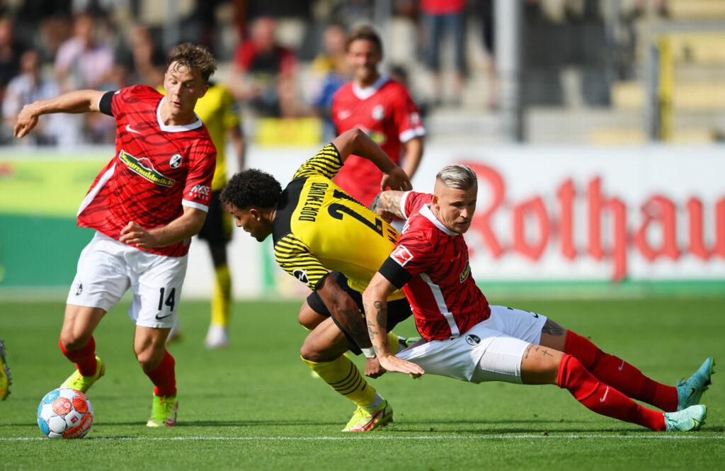 SC Freiburg kämpft Borussia Dortmund nieder