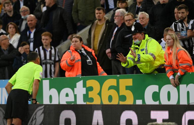 Newcastle vs Tottenham unterbrochen: Medizinischer Notfall auf der Tribüne