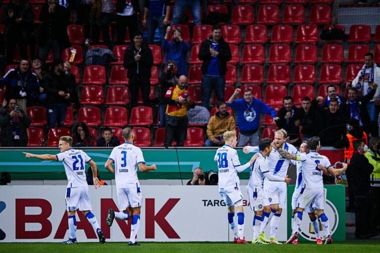 DFB-Pokal | KSC düpiert Leverkusen, Behrens macht alles klar, Elfmeterheld Riemann